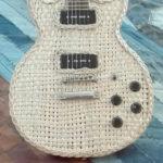 Gitarre geflochten