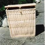 eckiger wäschekorb mit rautenmuster